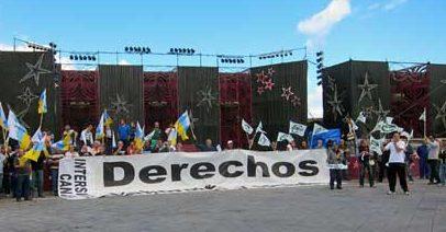 Continúan las protestas de los trabajadores municipales por los recortes salariales