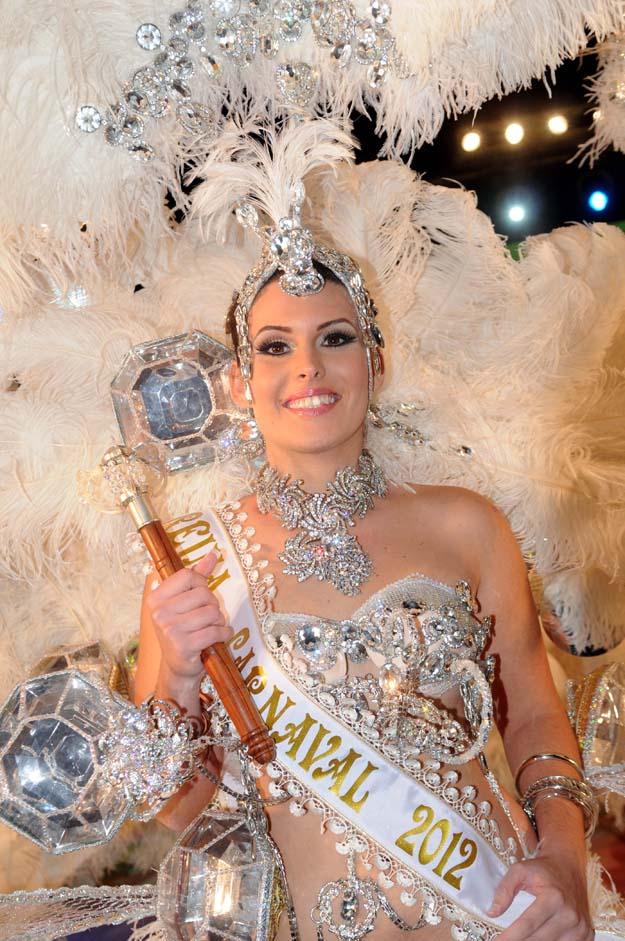 Virginia Molina_Marrero__-_Reina_del_Carnaval_2012_-_Primer_plano