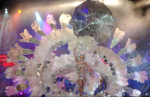 Virginia Molina_Marrero__-_Reina_del_Carnaval_2012_-_Vista_general