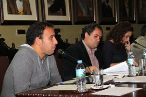 Jonas Gonzlez_presenta_la_propuesta_en_el_Pleno_27_de_febrero_de_2012