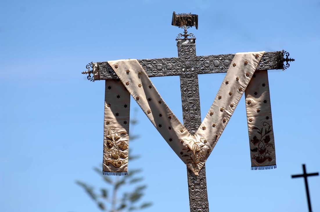 La Cruz de Plata en procesión
