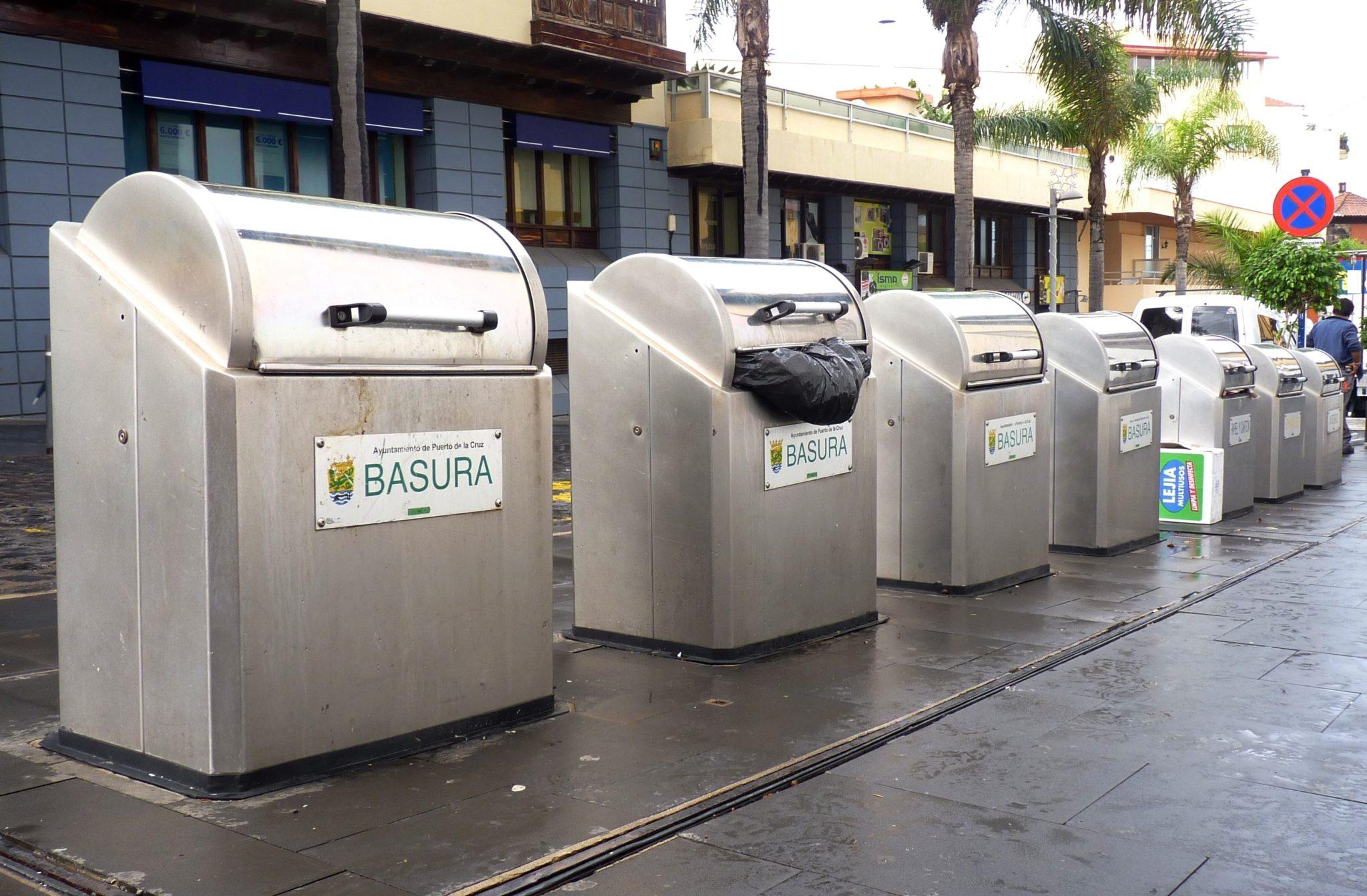 Contenedores de basura en Puerto de la Cruz 2014