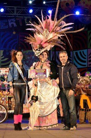 Primer Premio de Disfraces Adulto Carnaval 2015
