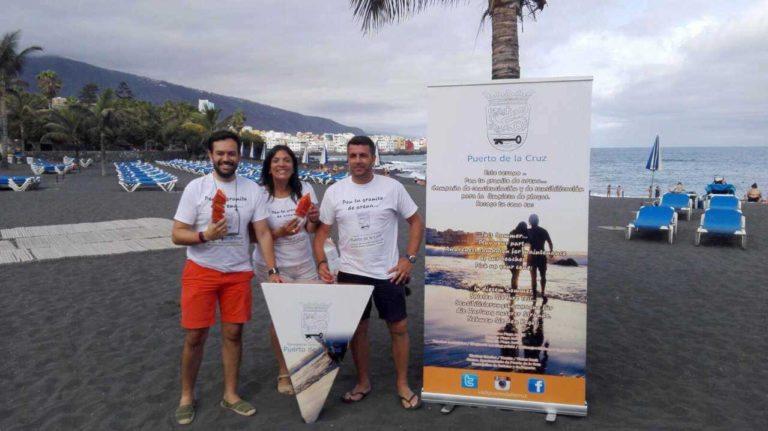 """En marcha la campaña """"Pon tu granito de arena"""" en las playas de Puerto de la Cruz"""