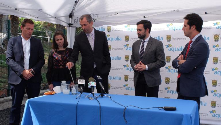 Ayuntamiento y Aqualia contra el vertido de toallitas en el inodoro