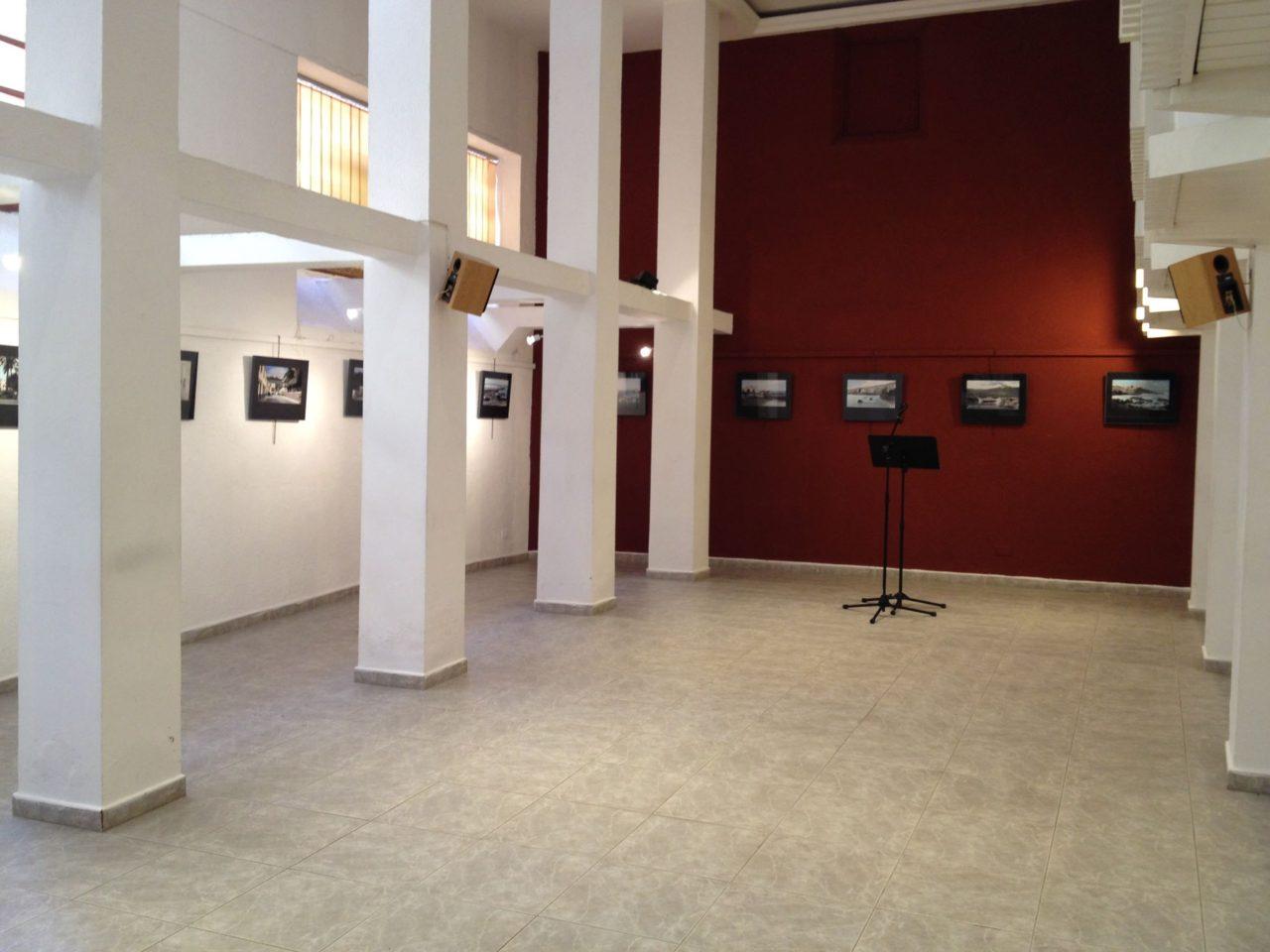 Salón de actos del Instituto de Estudios Hispánicos