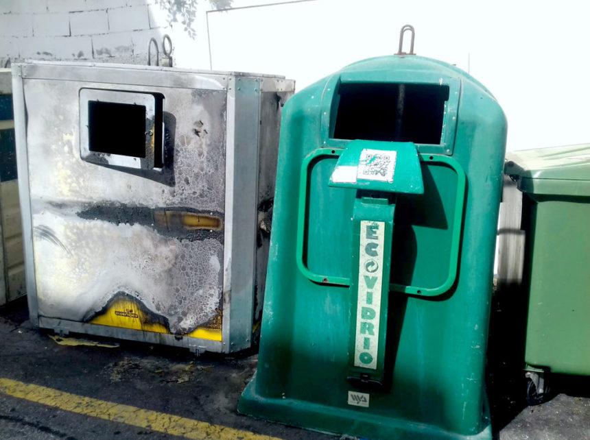 incendiado un contenedor en la calle mazaroco