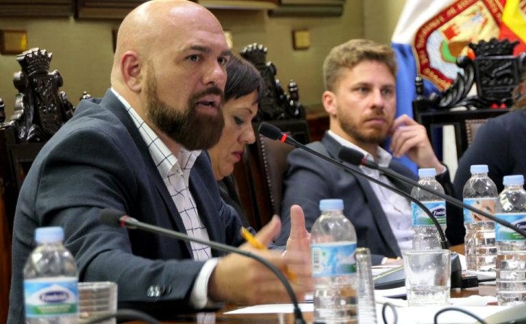 """Marco González: """"Lope Afonso ha convertido al Ayuntamiento en su cortijo particular"""""""