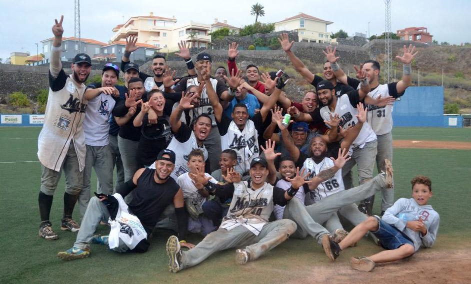 Los Marlins campeones de la liga española de béisbol