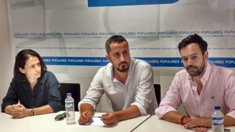 Lope Afonso se reúne con el PP de La Palma para tratar sobre el muelle portuense