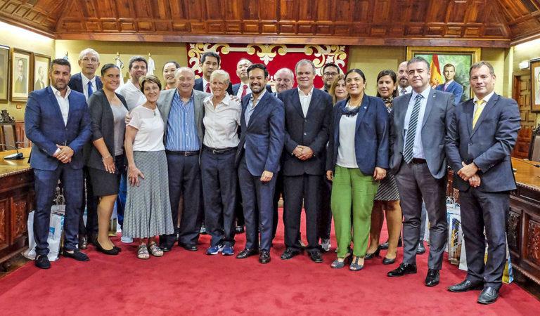 El Mundial de Baloncesto femenino visita el Ayuntamiento portuense