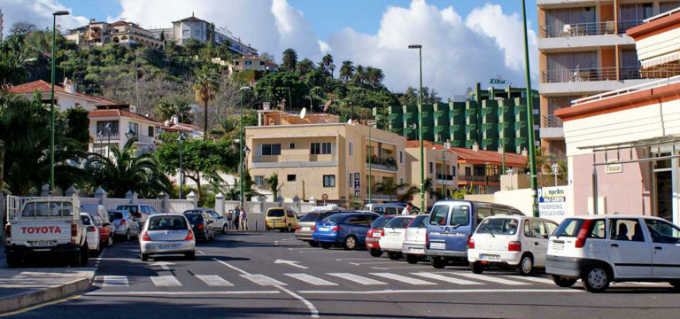 Asamblea Ciudadana propone implementar un sistema de aparcamiento gratuito en la calle con limitación horaria