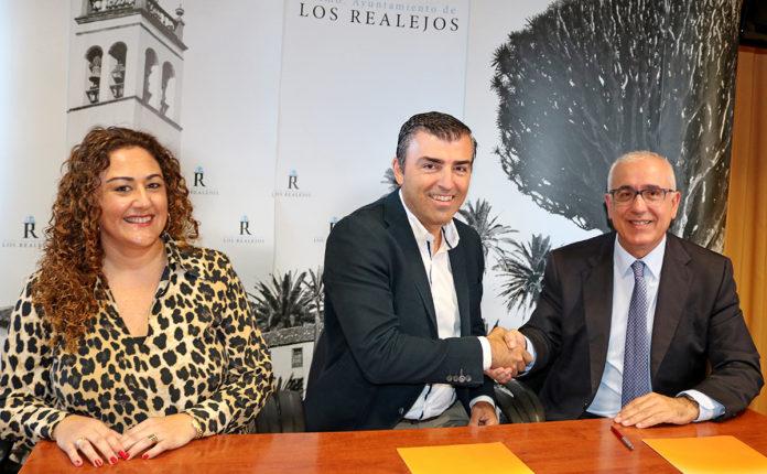 Firma del acuerdo con RTVE
