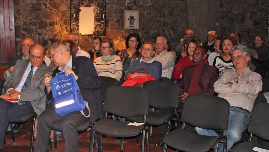 Público asistente acto (Foto José Peraza)