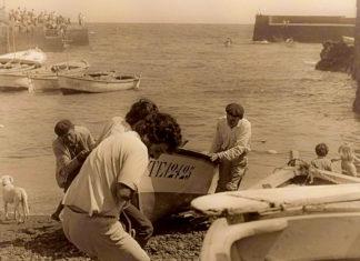 Pescadores en el muelle del Puerto de la Cruz