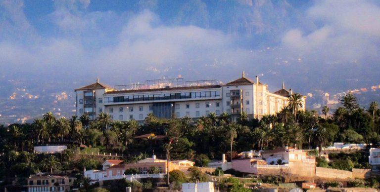 Se firma el contrato de adjudicación para la explotación del Hotel Taoro