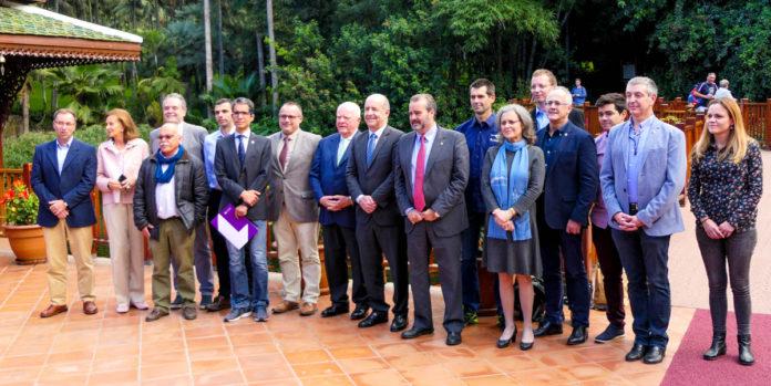 Autoridades e investigadores del proyecto CanBio