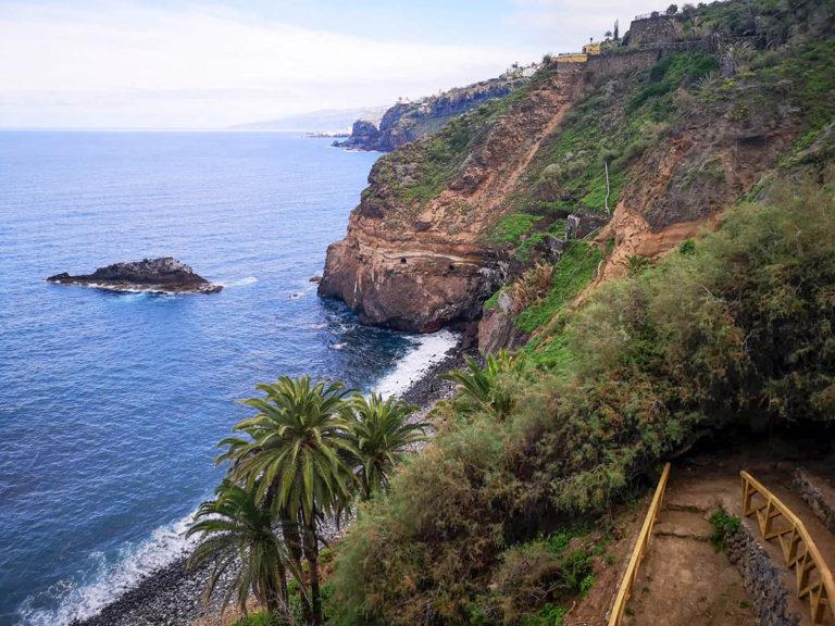 Continúan a buen ritmo las obras en el acceso a la playa de Castro y la contención del Fortín de San Fernando