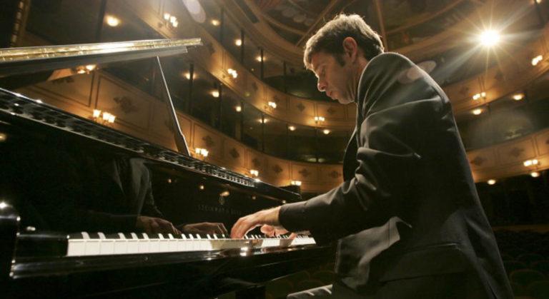 El pianista Javier Laso vuelve a homenajear este miércoles a Beethoven