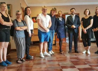 Imagen de archivo de una visita del equipo de la productora Orage-Valley al Ayuntamiento
