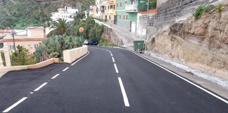 Se realizan obras de mejora en la TF-2214 en San Juan de la Rambla