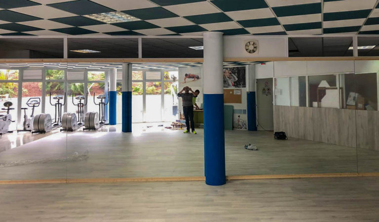 Se remodelan las instalaciones de la piscina municipal de Icod