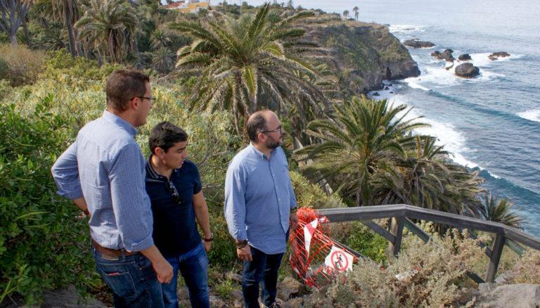 Se culmina la rehabilitación del sendero de acceso a la playa de Castro