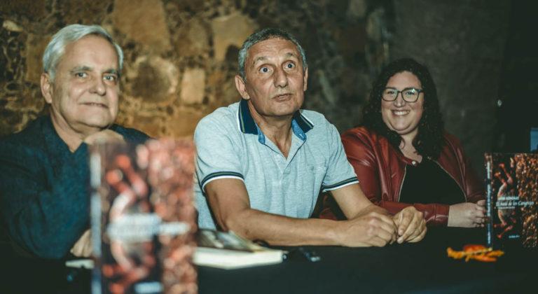 Se presentó la novela 'El baúl de los Cangrejos' de Javier González