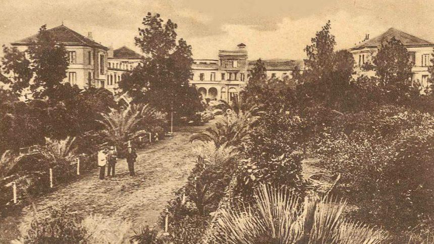 Jardines y al fondo el Hotel Taoro (finales del siglo XIX)