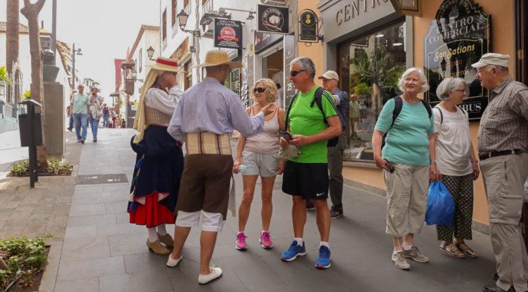 Las Fiestas de Mayo de Los Realejos se promocionan en Puerto de la Cruz