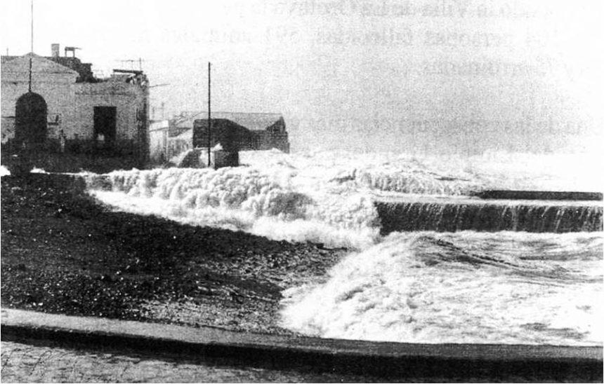 Mar de leva en el muelle portuense (Autor anónimo)