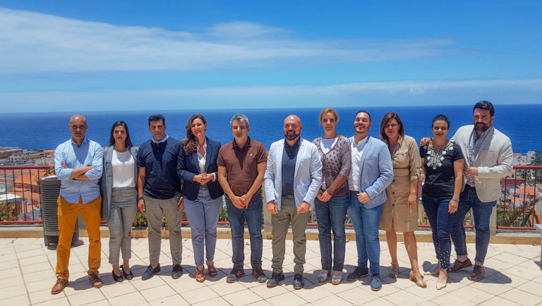 PSOE y Asamblea Ciudadana firman y presentan el acuerdo de gobierno