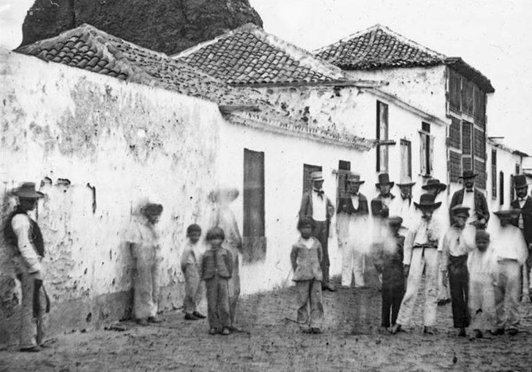 Este viernes en el Castillo San Felipe se presenta el libro 'Fotos antiguas de Tenerife'