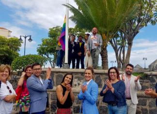 Izado de bandera arcoiris en el Puerto de la Cruz - 28 de junio de 2019