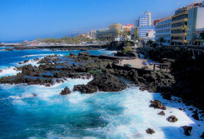 El mar, en Puerto de la Cruz, desde la Punta del Viento