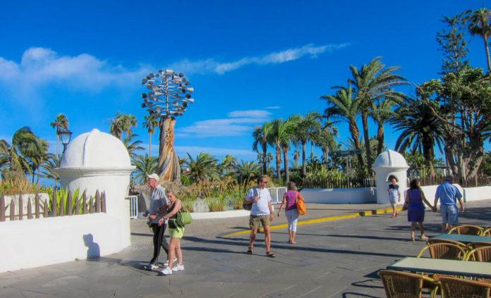 Zona turistica en la Avenida Colón del Puerto de la Cruz