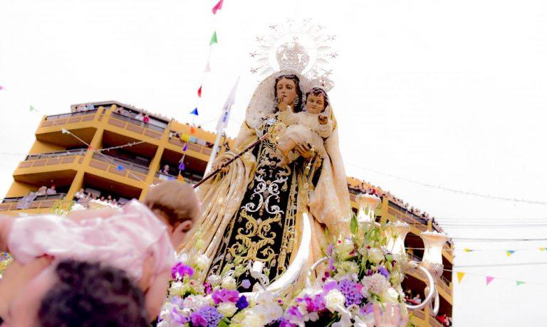 La Virgen del Carmen realizó un año más su singladura en las aguas del Puerto de la Cruz