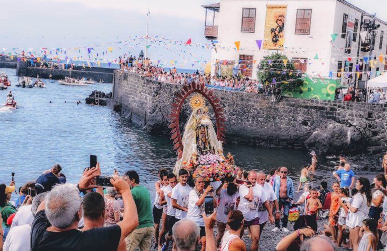 Un año más la embarcación chiquita fue entrañable para los portuenses