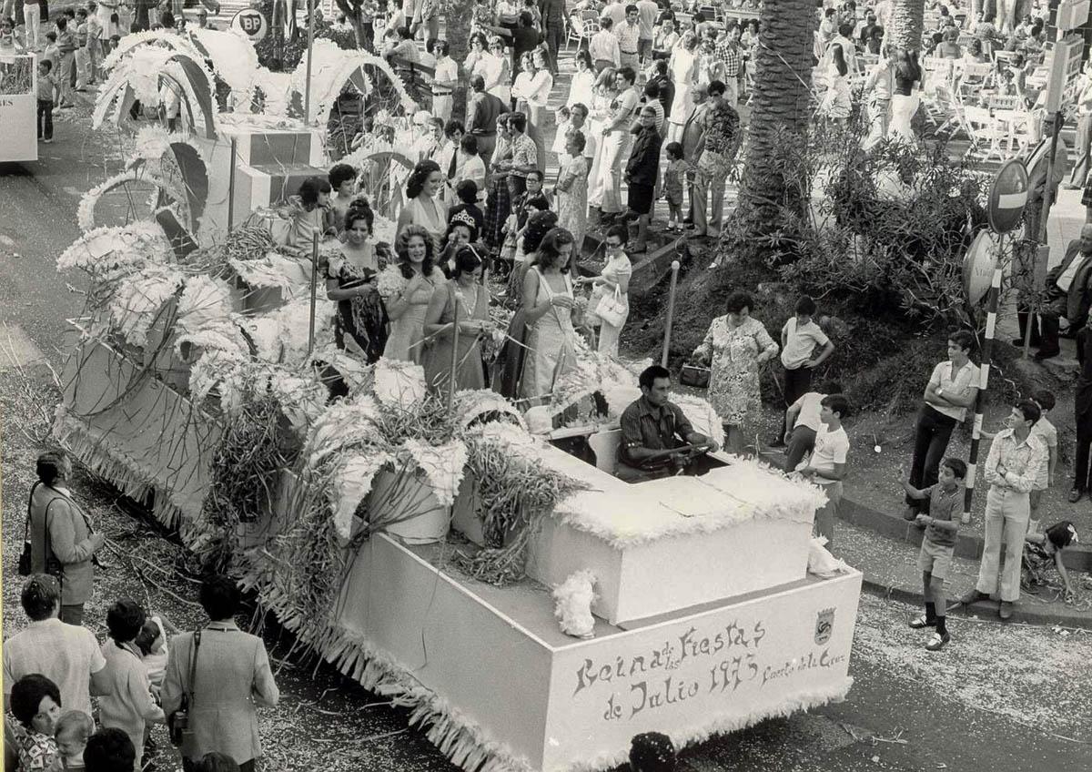 Fiestas de Julio de 1973 - Reina Isaura Pérez Hernández