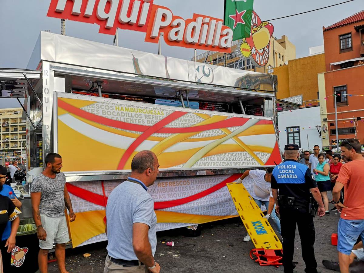 Accidente en un puesto de hamburguesería de la Feria del Muelle 2