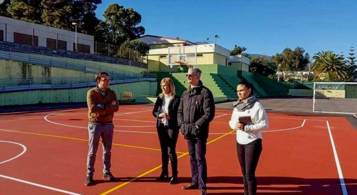 Visita a un colegio del Alcalde y concejala Yurena Luis