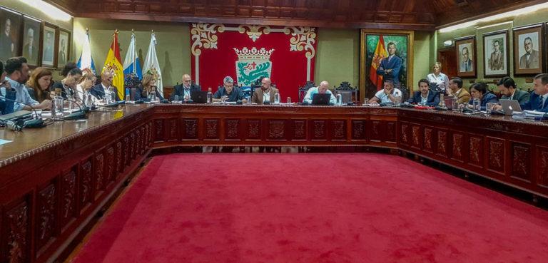 Primer pleno para adaptarse a los nuevos roles de gobierno y oposición