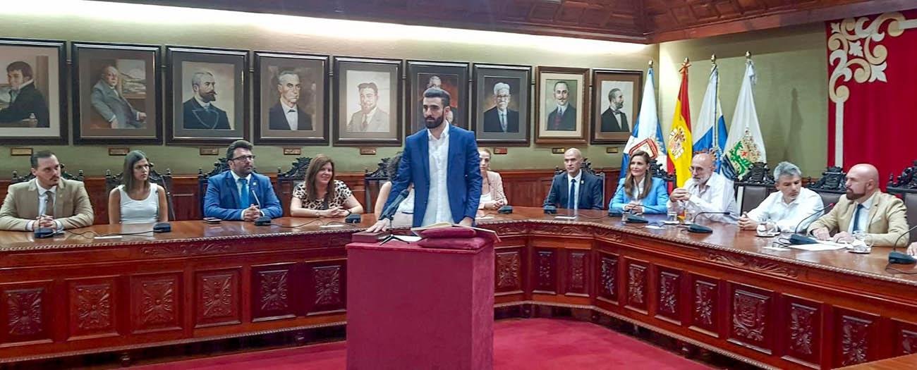 Resultado de imagen de Toma de posesión institucional del nuevo Secretario del Ayuntamiento del Puerto de la Cruz