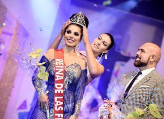 Momento de la coronación de la nueva Reina de las fiestas de La Vera