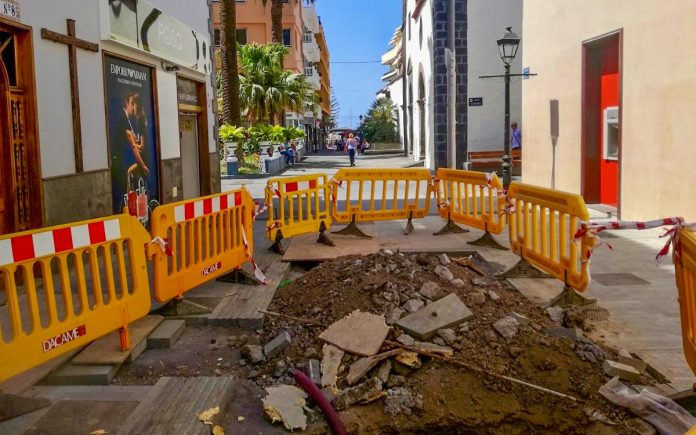 Obras en la calle San Juan en el tramo entre Quintana e Iriarte