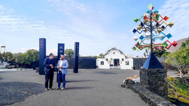 El Alcalde visita la Fundación César Manrique en Lanzarote