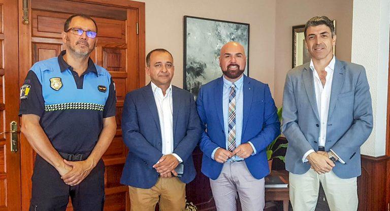 Reunión con el subdelegado del Gobierno y Federación de AA.VV.