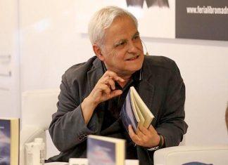 Imagen de archivo de Juan Cruz durante la presentación de uno de sus libros