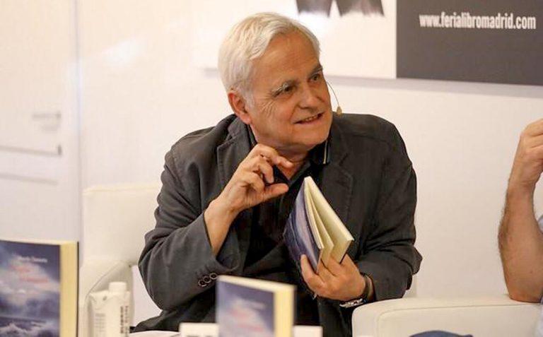Este jueves se presenta el nuevo libro de Juan Cruz 'En la huerta de pulsera'