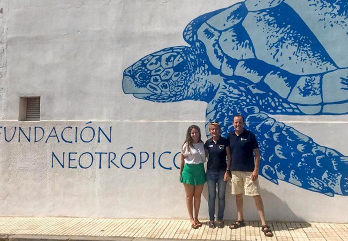 La edil Claudia Padilla visitando la Fundación Neotrópico